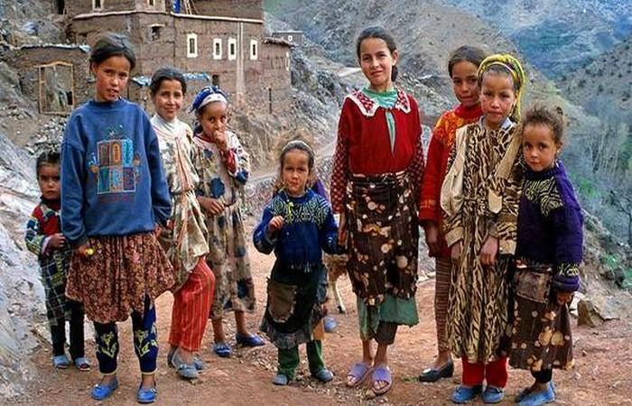 أطفال الأرياف في حاجة إلى حنانكم :  أمراض الفقر قتلت 20 ألف طفل مغربي في سنة واحدة